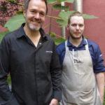 Marco Müller mit 2 Küchenchef Dennis Quetsch