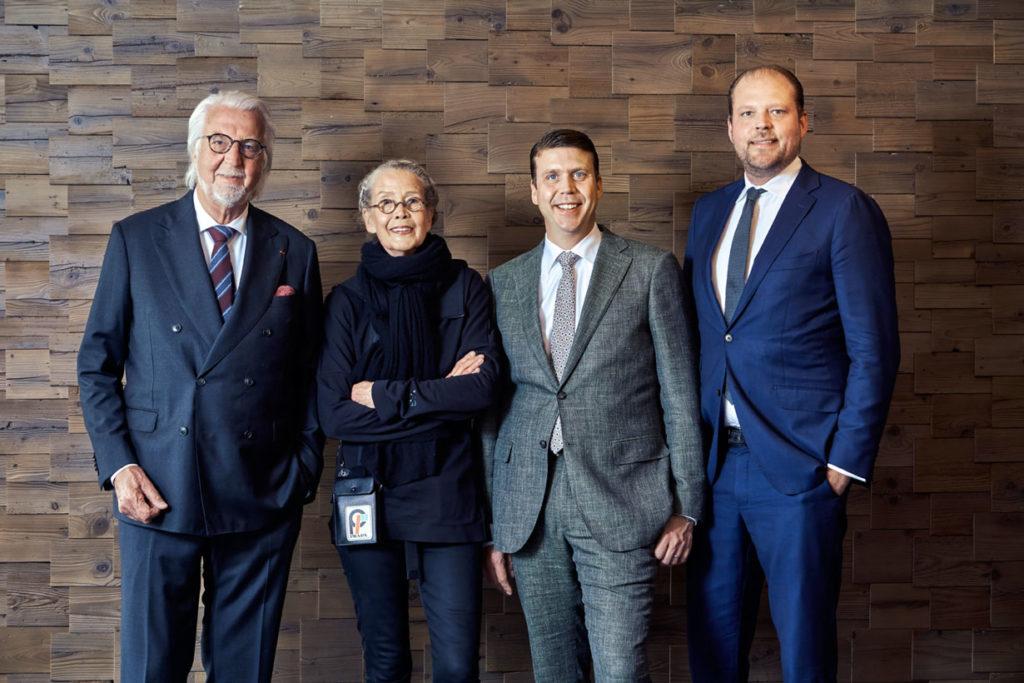 Stolze Bauherren (v. l.) Heiner, Renate, Sebastian und Matthias Finkbeiner