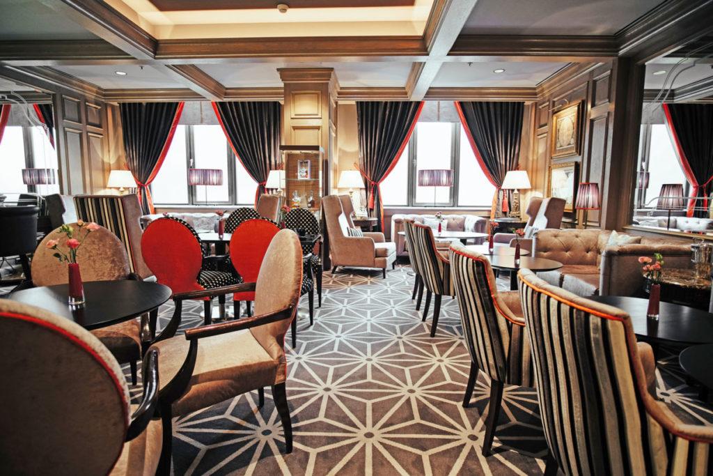 Mittelpunkt des Hotels, die Lobby